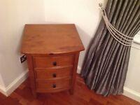BEDROOM BEDSIDE TABLE/CABINET