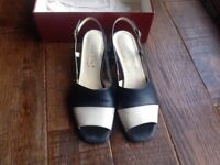 Van Dal ladies shoes size 7.5