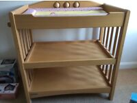Baby changing unit, changing table