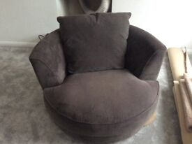 Swivel Cuddle chair (Excellent Condition)