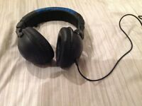 BLACK SKULLCANDY HEADPHONES