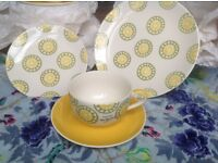 NEW 24 piece hand painted set (6 setting) Whittard of Chelsea dinner side plates, large cups saucers