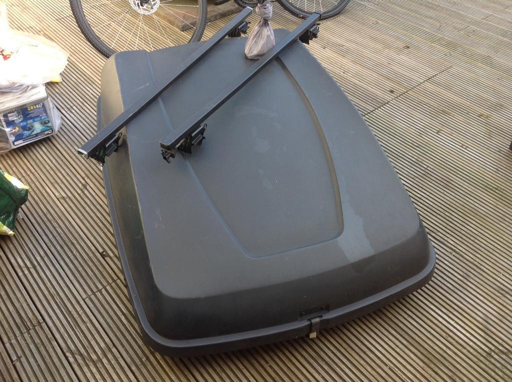 Halfords large roof box