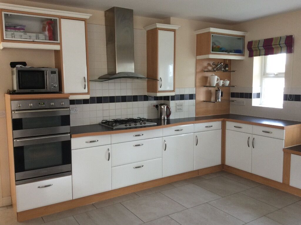 Fully Fitted Kitchen With Smeg Double Oven Hob Extractor