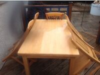 Solid pine dinning table and five pine chairs