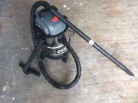 Ozito Wet & Dry Vacuum Cleaner