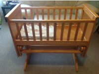 Swinging Baby Crib!! Excellent condition