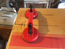 Suction lifting cup tools in excellent condition