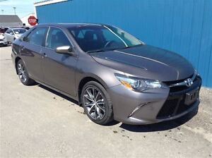 2015 Toyota Camry XSE LTHR NAVIGATION EXC COND!