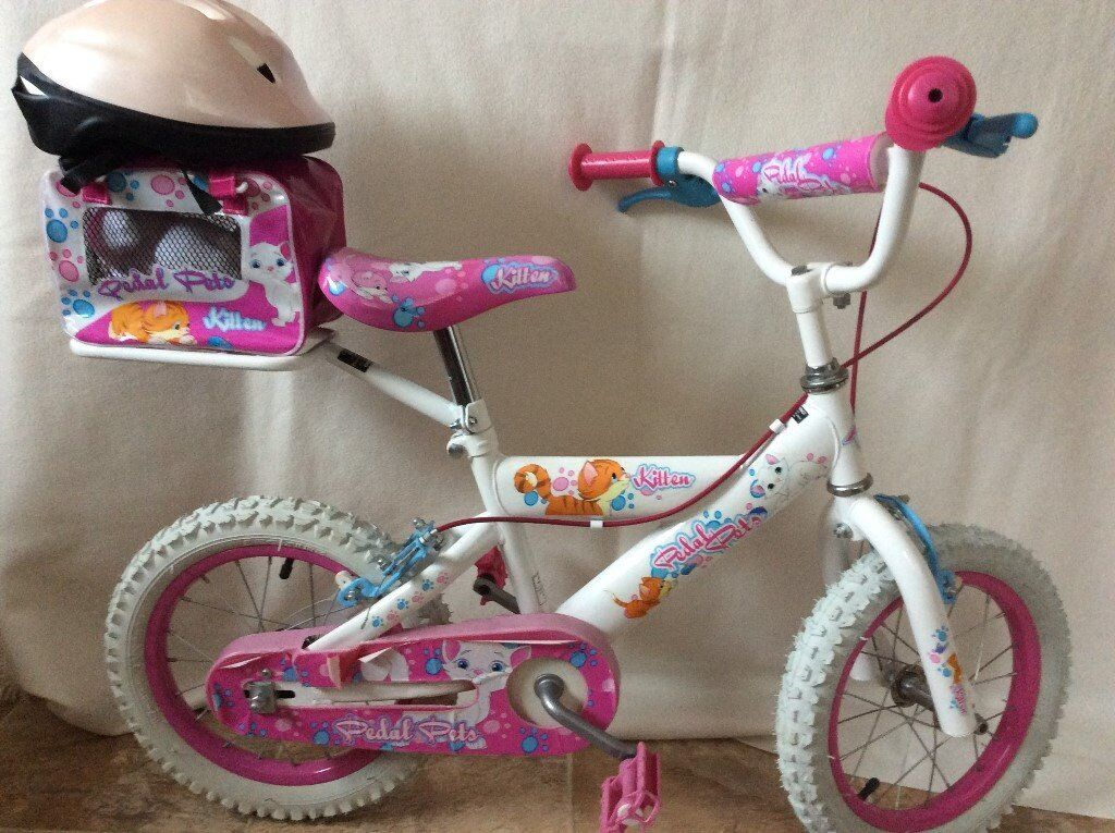 Girls Bicycle in pink age 5 to 9 with helmet and accesories