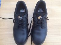 Black leather high quality safety/work shoes Brand New V12 Tiger size 9
