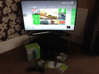 Xbox 360 S 250GB, 2 wireless controllers, Kinect sensor, 10 games, headset
