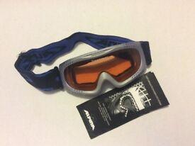 Ski accessories - Googles, sunglasses, gloves & socks