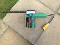 Hitachi 110v Chainsaw in full working order