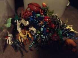 Collection of old style Ben 10 figures