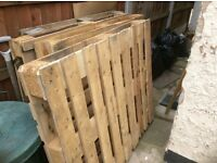 5 wooden pallets to collect for free