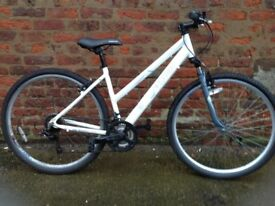 Ladies hybrid bike in good order, *postage available
