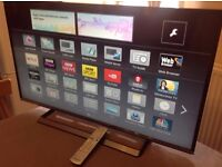 """Panasonic 40"""" Smart full HD LED TV-TX-40CS500B,built in Wifi,Freeview HD,Netflix,EXCELLENT CONDITION"""