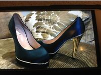 Ladies Reiss shoes size 6 immaculate condition