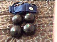 Set of 4 Henselite Bowls