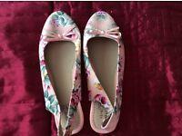 Floral sling back shoes