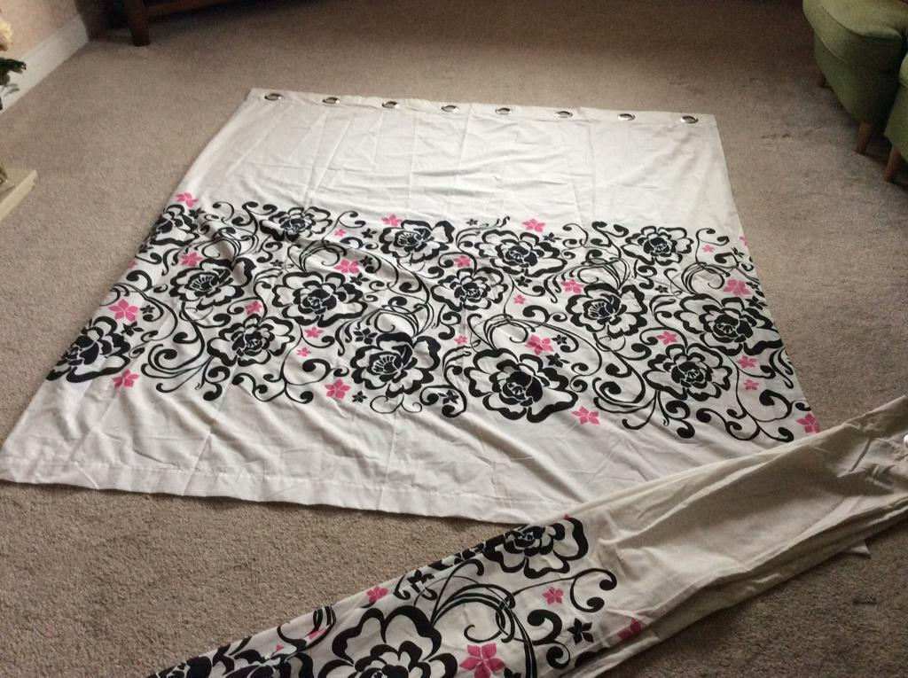 Linda Barker double bedding & curtain set