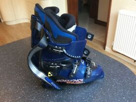 Men's Italian Rossignol ski boots with carry bag