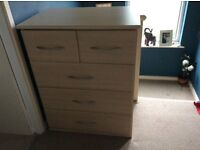 Bedroom chest drawers