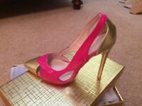 Size 6 gorgeous shoes in pink and gold.