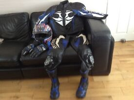 Size L ,helmet gloves boots 9, all new.leathers medium -large 5'10-6'2 ex condition Hein Geriicke