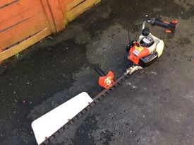 Robin HT751 petrol hedge trimmer 28 inch single blade with tilt. Reliable good working order.