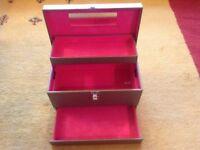 Ladies Cantilever Vanity/cosmetic/jewellery Case.