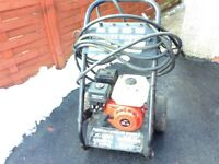 Harrison PETROL Pressure washer with Honda 168F 5.5 engine. 18 yard hose. On wheels for transporting