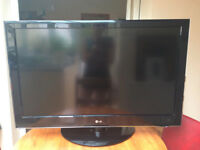 """LG LCD TV """"42"""" inch used but in a very good working condition"""
