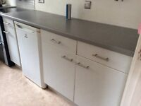 Fitted kitchen units and worktop