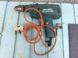 Black & Decker D142 Hammer Drill & Chuck Key