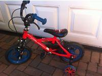Kids bike, 8 inch wheels with stabilisers