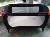 Hauck Sleep and Play Travel Cot