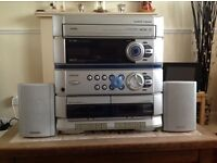 AIWA music system double CD and radio with compact speakers
