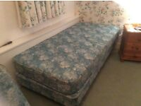 Single bed with mattress and single bed without mattress