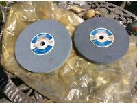 2 x grinding wheels, A60 fine and A36 coarse. 8 x 1 x 5/8 bore