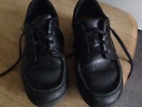 Black Clarks boys school shoes size 7-7.5. Good condition