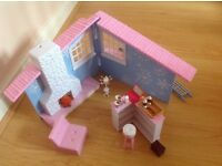 CLICK AND PLAY MOXIE DOLL WINTER HOUSE SET