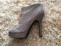 Grey suede looking ladies boots - size 6