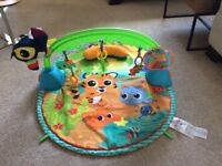 Baby playmat and gym with music song