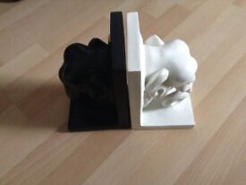 Black and White elephant Book Ends