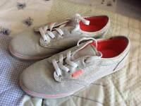 Gorgeous Off the Wall Vans size 4 .1/2