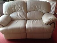 Cream leather 3 piece reclining suite. Very good condition.
