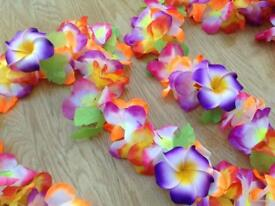 17 METRES OF TROPICAL FLORAL GARLAND PLUS 5 FRANGIPAN FLOWER CLIPS FOR PARTY DECORATION