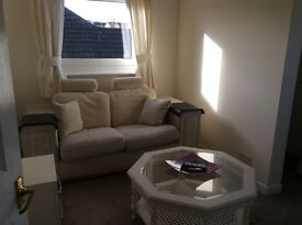 Double bedroom, private bathroom and small private lounge to rent. £150.00 per week